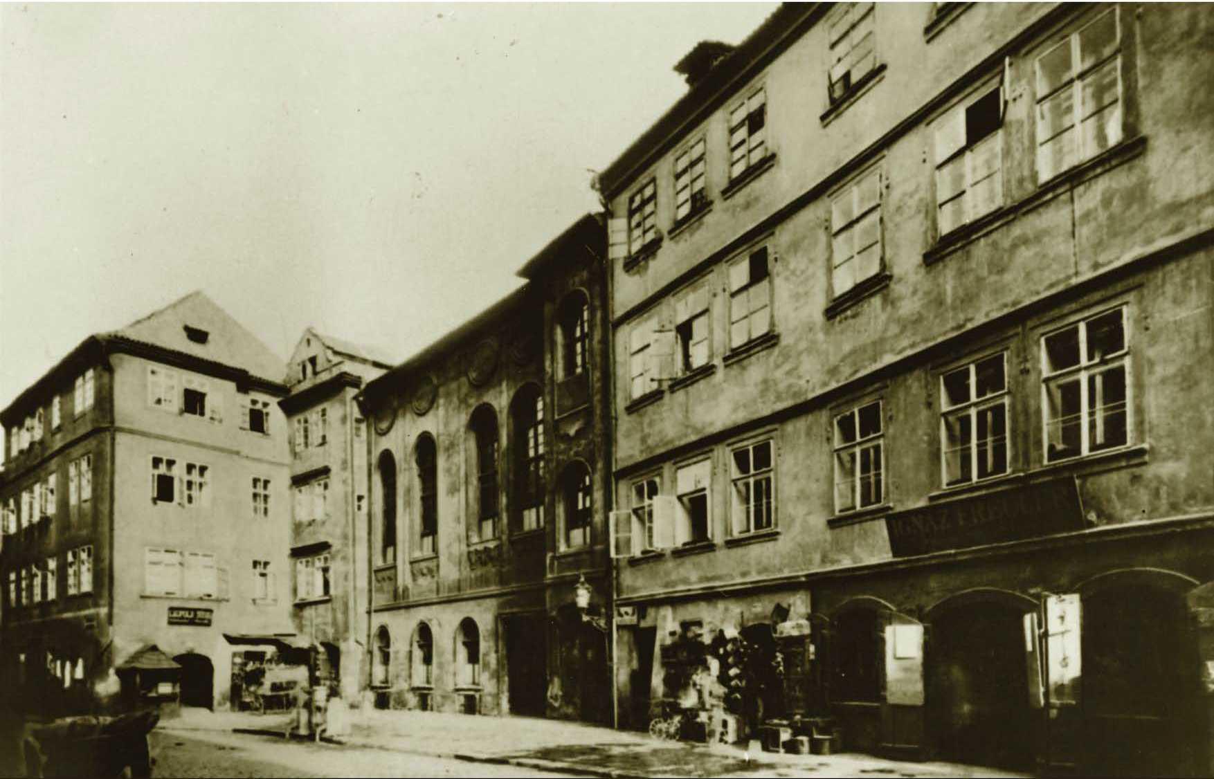 North façade of the New Synagogue