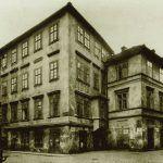 Das Haus mit dem goldenen Gesicht, Hermann Kafkas Wohnsitz