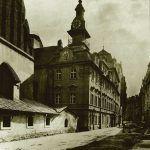 Westfassade der Altneu-Synagoge