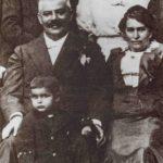 Julie a Hermann, sestra Elli s manželem Karlem Hermannem a jejich syn Felix
