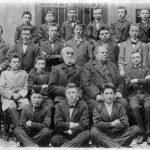 Der 15-jährige Franz Kafka auf einem Klassenfoto von 1898